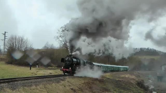 Watch and share Locomotive GIFs and Spoorwegen GIFs by LittleRiver-Skipper on Gfycat