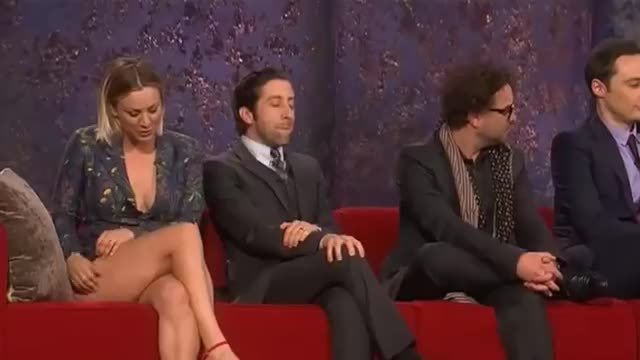 kaleycuoco, wardrobe malfunction, Kaley Cuoco Caught Her Ass Hanging Out - Big Bang Theory GIFs
