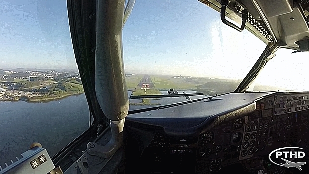Lookscool, aviationgifs, gif, Pilot's View (x-post from /r/aviationgifs) (reddit) GIFs