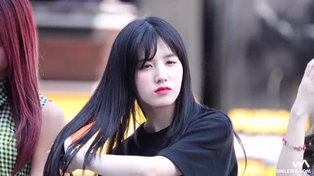 Watch Xiyeon: What was that? GIF by @sunnyxtzuyuxkyungri on Gfycat. Discover more -wa-, Pristin, Xiyeon, smile, smilewa GIFs on Gfycat