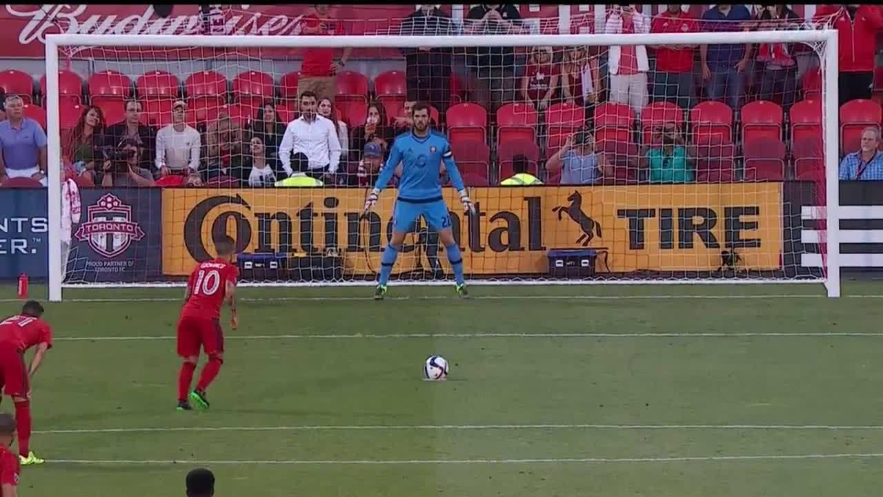 Sebastian Giovinco Penalty vs. Orlando GIFs
