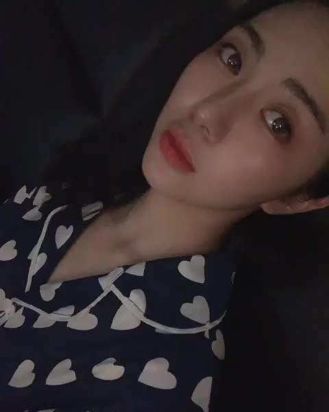 Watch and share 권민아 GIFs on Gfycat