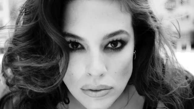 Watch and share Love Advent 2017 GIFs and Ashley Graham GIFs by Lukas on Gfycat