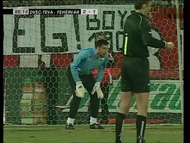 Watch and share DVSC-TEVA - FC Fehérvár 3-1 | Durica Bombaöngólja GIFs on Gfycat
