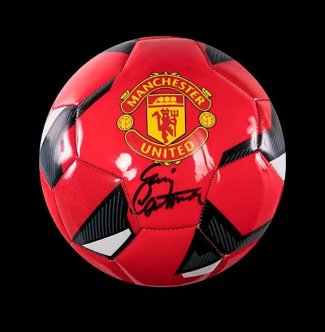 Watch and share Eric-cantona-signed-football GIFs by ဟိန္း ေဝ ေအာင္ on Gfycat