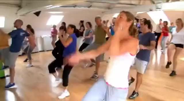 Watch danse GIF on Gfycat. Discover more rveqvdcqsv GIFs on Gfycat