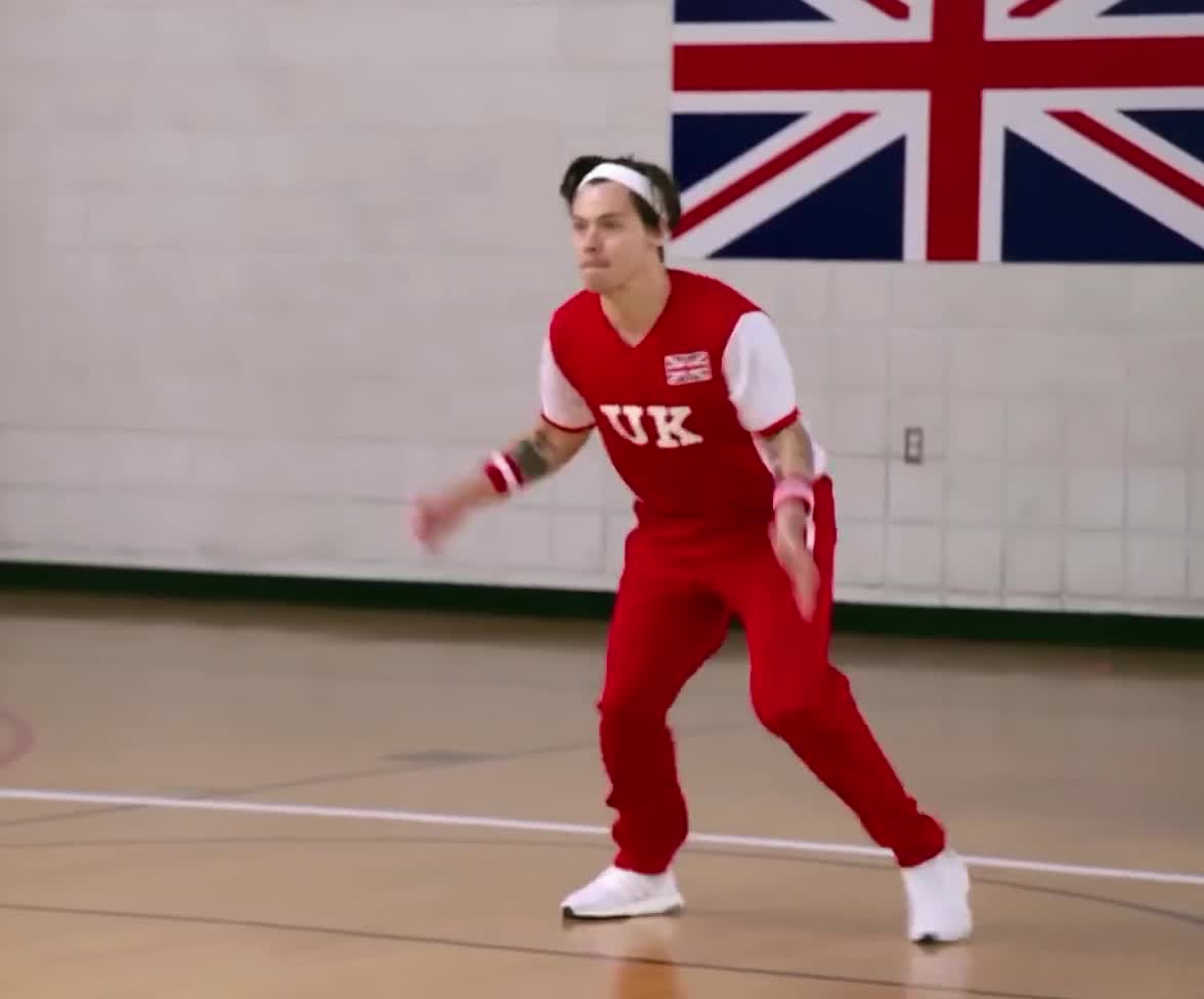 ball, corden, dodgeball, harry, high, hit, james, jump, late, latelatelondon, london, lose, loser, lost, night, oops, show, styles, team, uk, Harry Styles - Jump GIFs
