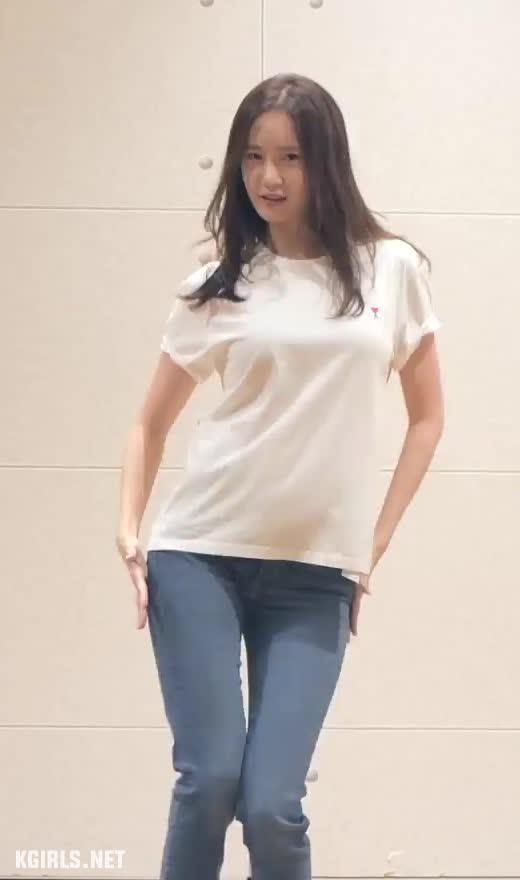 Yoona-SNSD-EXIT dance-1-www.kgirls.net GIFs