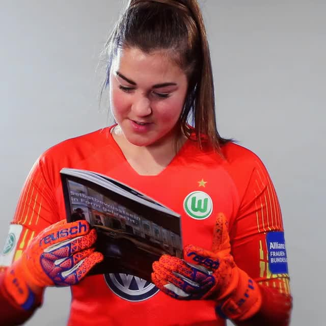 Watch and share 27 Read GIFs by VfL Wolfsburg on Gfycat