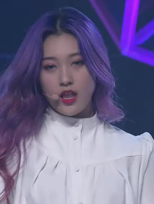 Watch and share Loona - Choerry GIFs by LOOΠΔ gfys on Gfycat