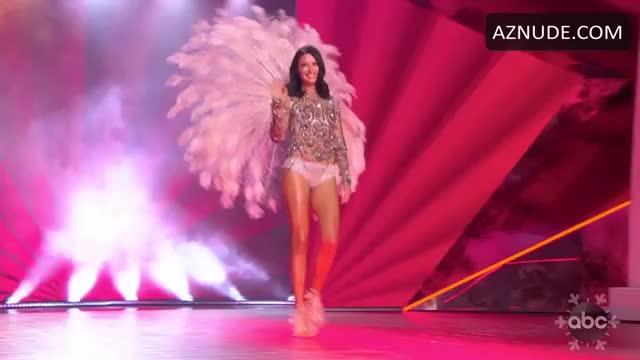 Watch and share Adriana_Lima_s_Underwear GIFs on Gfycat