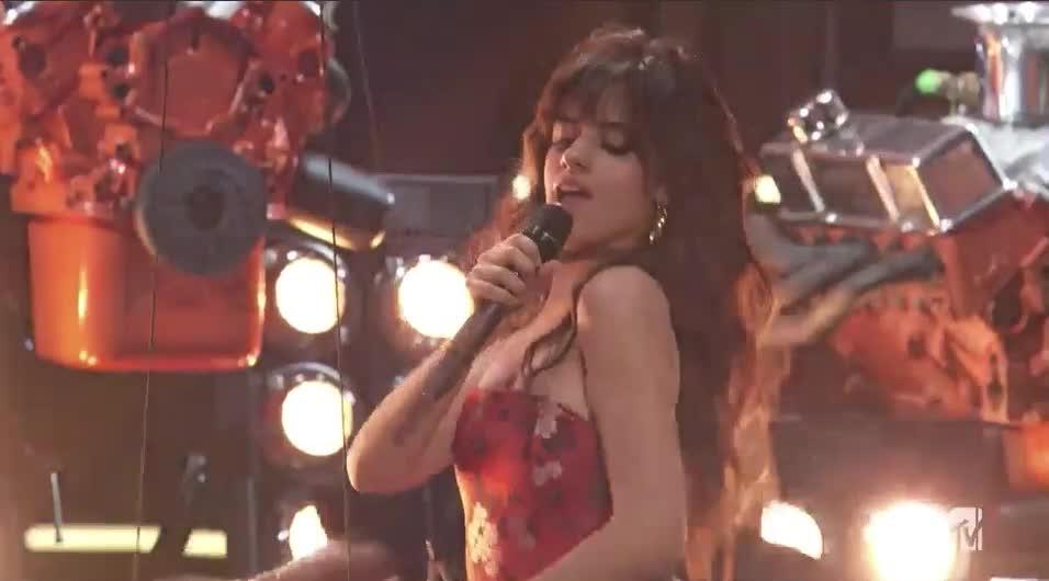 Camila Cabello, MTV Awards, MTVAwards, MTVAwards2017, dance, feeling it, stage hands, Camila Cabello Feeling it GIFs