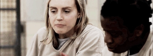 crazyeyes, gif, oitnb, oitnb gif, orange is the new black, orange is the new black gif, piper chapman, taylor schilling, tvseries, tvshows, uzo aduba,