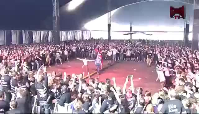 Watch wall of death @GMM GIF on Gfycat. Discover more GMM, graspop metal meeting, moshpit, wall of death GIFs on Gfycat