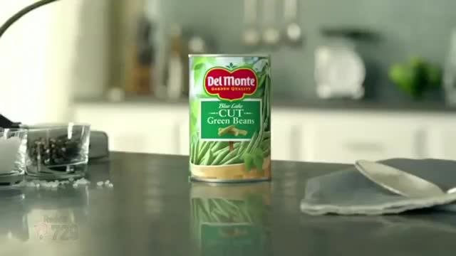 Watch What's In A Can Of Del Monte Green Beans? GIF by Natsuki729 (@natsuki729) on Gfycat. Discover more ddlc, doki doki literature club, natsuki, sayori GIFs on Gfycat