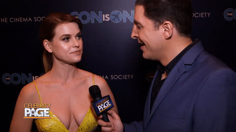 alice eve, red carpet, ZGIF Alice-Eve Con-Is-On-Premiere 20180502 GIFs