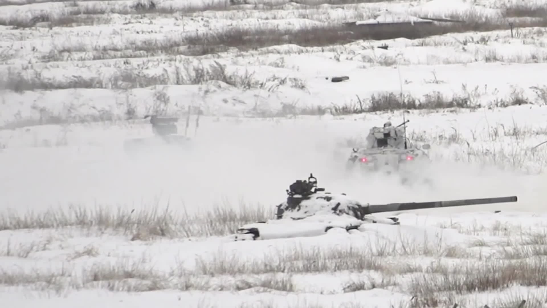 MilitaryGfys, imagesofrussia, Russian Motorized Infantry practice tactical snowfort fights using military robots GIFs