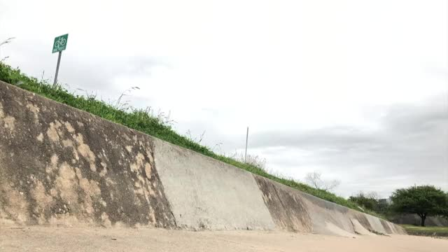 Watch and share 1 Foot Wallride GIFs by collinaburke on Gfycat
