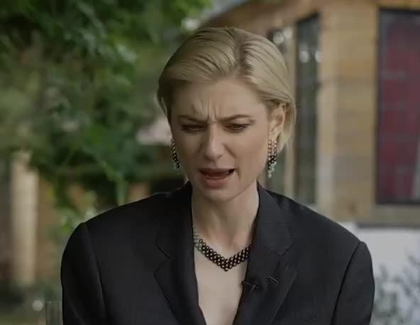 angry, annoyed, debicki, disgust, elizabeth, elizabeth debicki, ew, hmm, mad, no, way, Elizabeth Debicki is annoyed GIFs