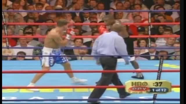 Watch Arturo Gatti v Floyd Mayweather. part 2 GIF on Gfycat. Discover more arturo, boxing, boy, fight, floyd, gatti, jr, mayweather, pretty, thunder GIFs on Gfycat