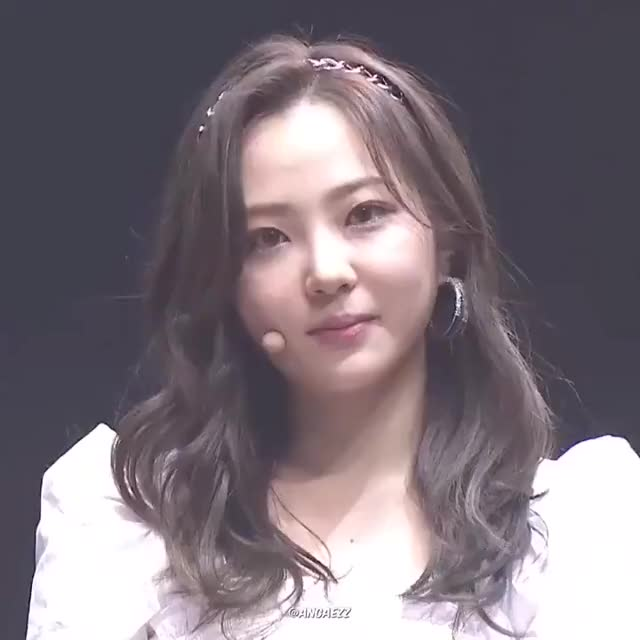 Watch and share ELRIS - Hyeseong GIFs by Ratchet44 on Gfycat