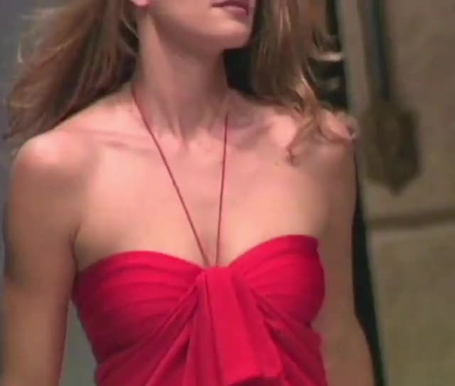 Watch and share Cindy Crawford GIFs and Fashion GIFs by The GIF Farmer on Gfycat