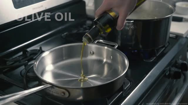 Watch Binging with Babish - Pasta Aglio e Olio from 'Chef'-bJUiWdM Qw GIF on Gfycat. Discover more related GIFs on Gfycat