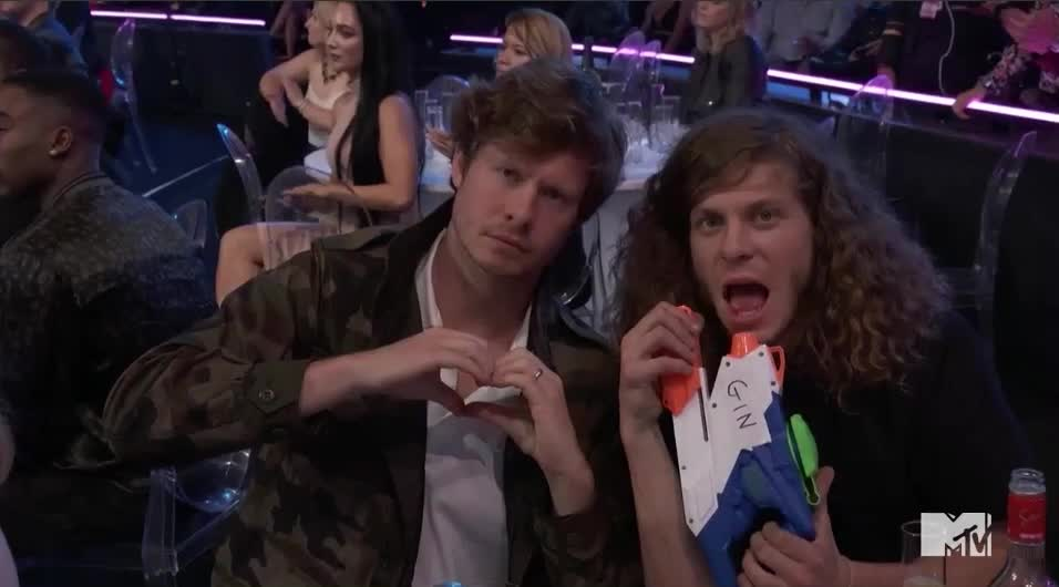 MTV Awards, MTV Awards 2017, MTVAwards, MTVAwards2017, anders holm, blake anderson, drink, drinking, shots, Blake and Anders <3 MTV Awards 2017 GIFs