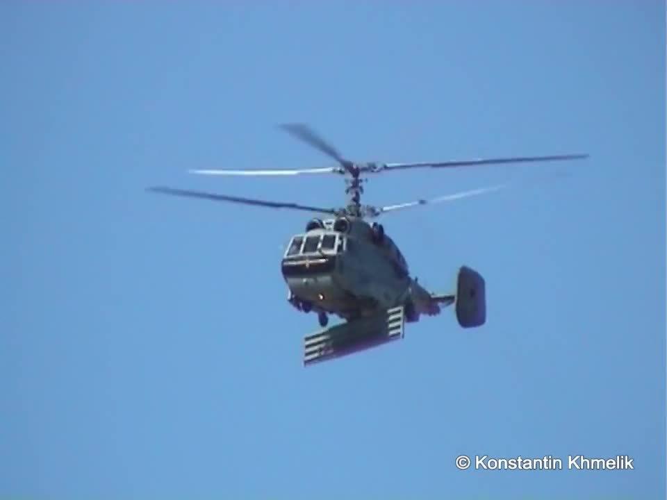 WarplaneGfys, warplanegfys, Ка-31 и Ка-226 МАКС 2005 Ka-31 & Ka-226 MAKS 2005 (reddit) GIFs