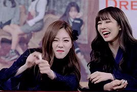 Watch jiu and Yoohyeon GIF by MrKunle (@mrkunle) on Gfycat. Discover more related GIFs on Gfycat