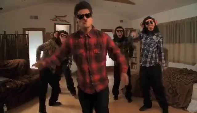 Watch this bruno mars GIF on Gfycat. Discover more Bruno, Mars, bruno, bruno mars, mars, music GIFs on Gfycat