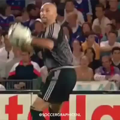 Watch Zidane.... GIF by @navidjaan on Gfycat. Discover more bootroom, soccer GIFs on Gfycat