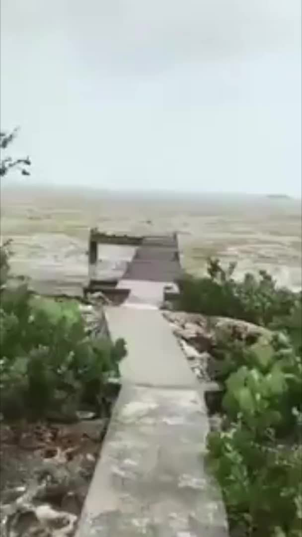 Watch The water just disappeared from Bahama beaches before Hurricane Irma brings the 🔥 (reddit) GIF on Gfycat. Discover more related GIFs on Gfycat
