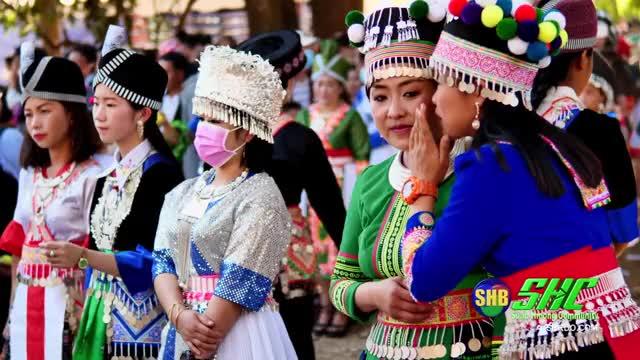 Watch and share Suab Hmong Radio GIFs and Suab Hmong News GIFs on Gfycat