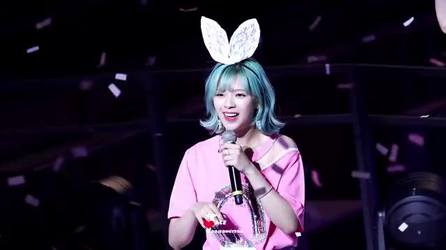 Watch and share Jeongyeon GIFs and Twice GIFs by June on Gfycat