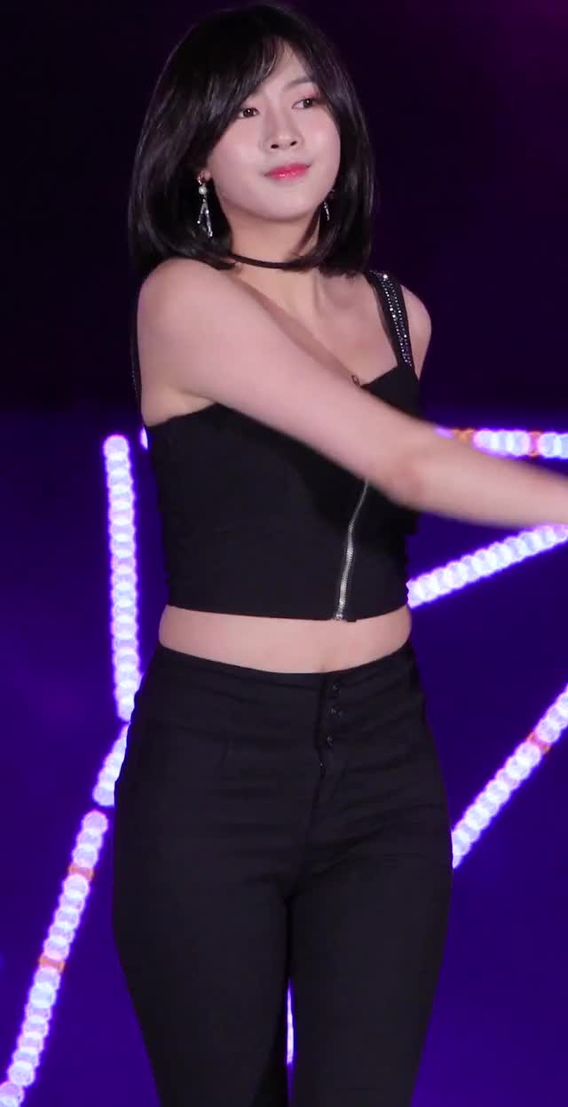 Watch and share Apink - Hayoung GIFs by Dang_itt on Gfycat