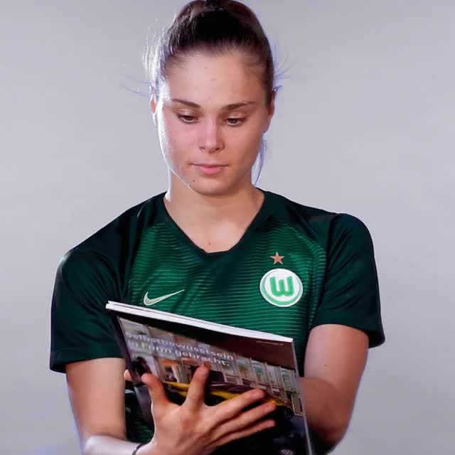Watch and share 17 Read GIFs by VfL Wolfsburg on Gfycat
