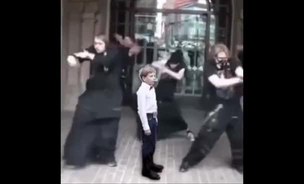 Oh Lawd Dance Challenge Yodeling Walmart Kid Gif Find Make