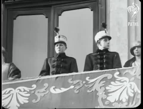 Watch Wonderful Demonstration Of Loyalty (1925) GIF on Gfycat. Discover more related GIFs on Gfycat