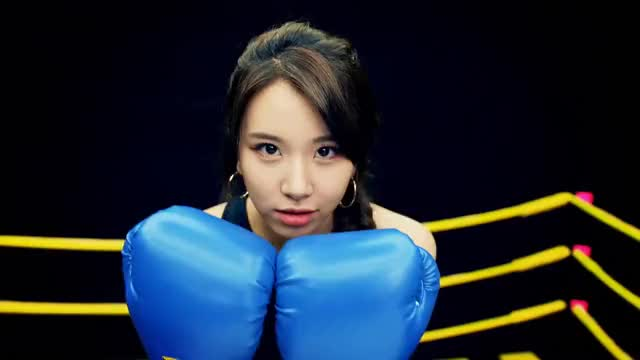 Watch Chae box 2 GIF by Jer (@jersucks) on Gfycat. Discover more Chaeyoung, One More Time, Twice, kpop GIFs on Gfycat