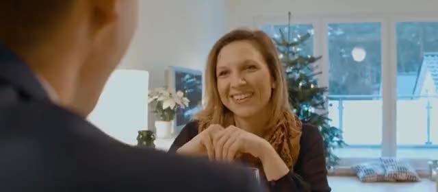 """Was ist eigentlich mit Knut (""""Tannenbaum-aus-dem-Fenster-werfen"""" aus der Ikea-Werbung)?"""