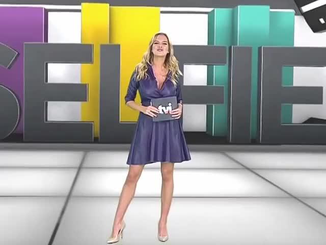 Watch and share Julia Palha GIFs on Gfycat