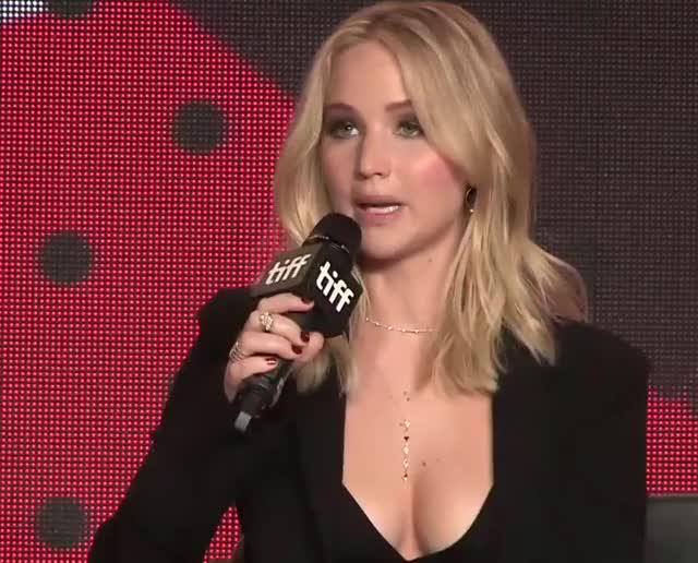 Watch and share Jennifer Lawrence GIFs by Emilyguy on Gfycat