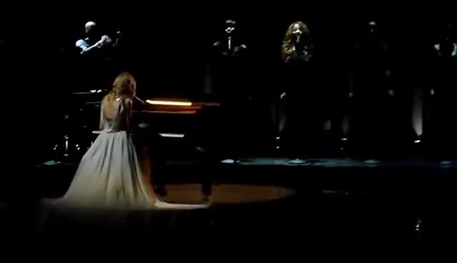 Taylor Swift Grammys Gifs Search   Search & Share on Homdor