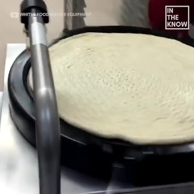 Watch Watch this mesmerizing pizza auto saucer machine work its magic GIF by GIFs For Everything (@jiffiergifss) on Gfycat. Discover more be amazed, beautiful, damnthatinteresting, delicious, food, mouth watering, oddly satisfying, pizza, pizza sauce, sauce, saucer machine, yummy GIFs on Gfycat