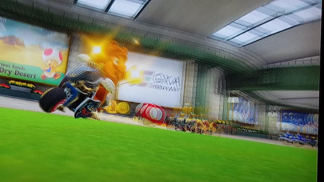 mariokart, Mario Kart 8 Deluxe summed up in 9 seconds... GIFs