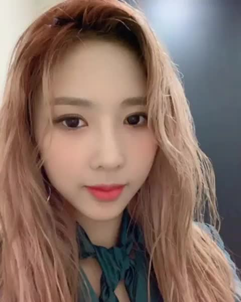 Watch and share Yoohyeon GIFs and 드림캐쳐 GIFs by dreamworld36 on Gfycat