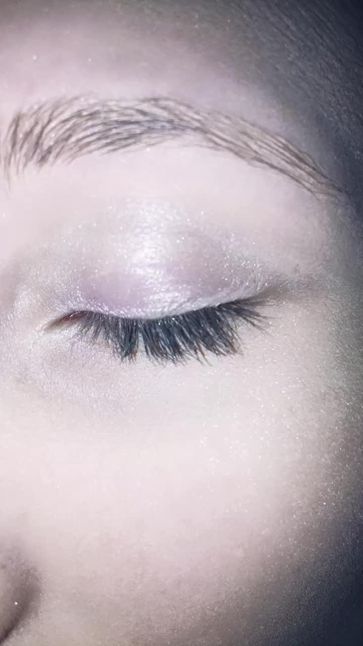 eyewars, letmedownslowly, this is for all my haters, I did my eyebrows and fixed my eyeshadow// #eyewars #letmedownslowly GIFs