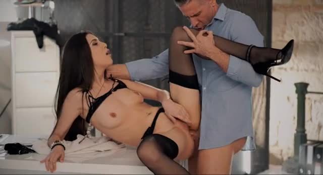 yOUTHFUL Horny Wench Has Her Rectal hole In Fire