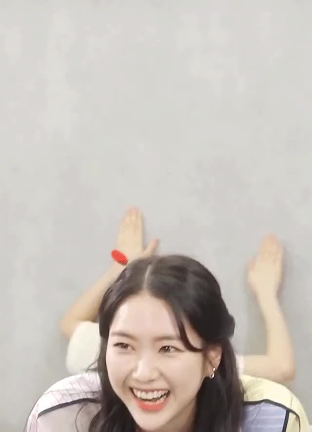 Watch and share Oh My Girl GIFs and Jiho GIFs by Jiho GIFs on Gfycat